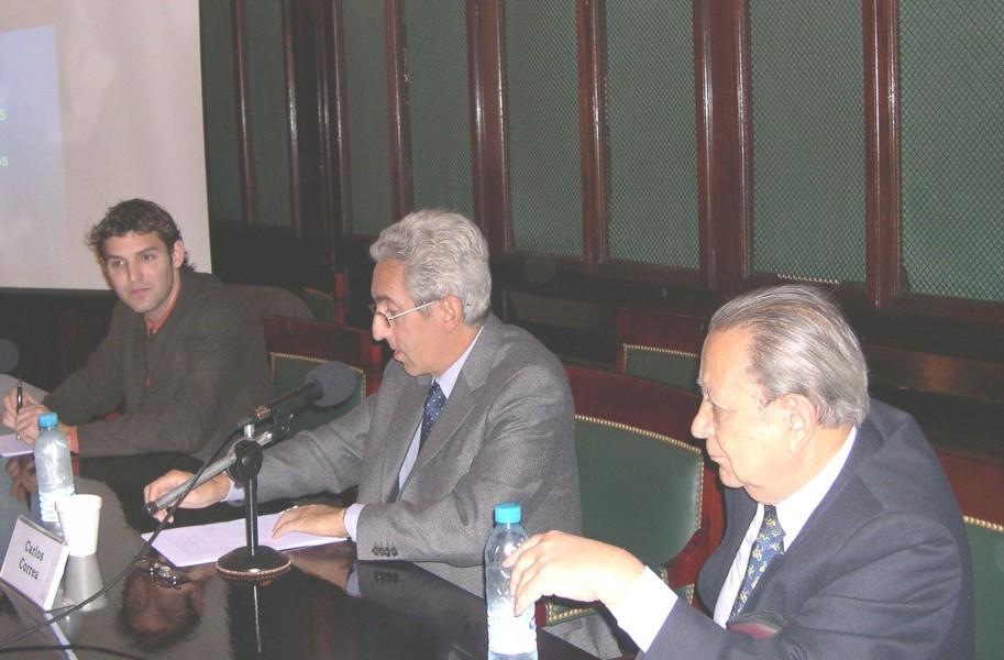 Xavier Seuba, Carlos M. Correa y Salvador D. Bergel
