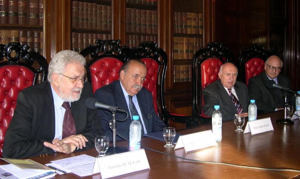 Arístides H. M. Corti, José O. Casás, Rodolfo R. Spisso y Jorge H. Damarco