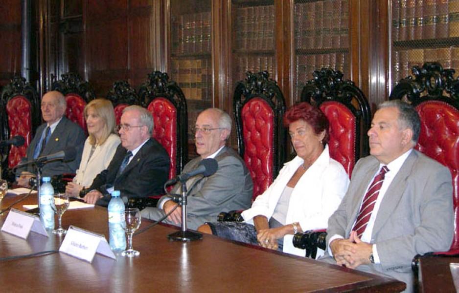 Alfredo Buzzi, María Beatríz Guglielmotti, Tulio Ortiz, Atilio Alterini, Mónica Pinto y Alberto Barbieri
